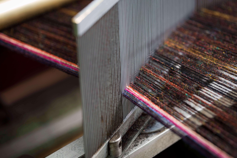 Bright fibres on the loom